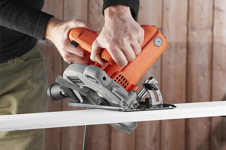 Black & Decker CS1250L-QS avis